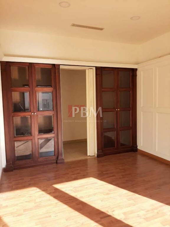 DISCOUNTED CASH| Refreshing Captivating Office| 24056